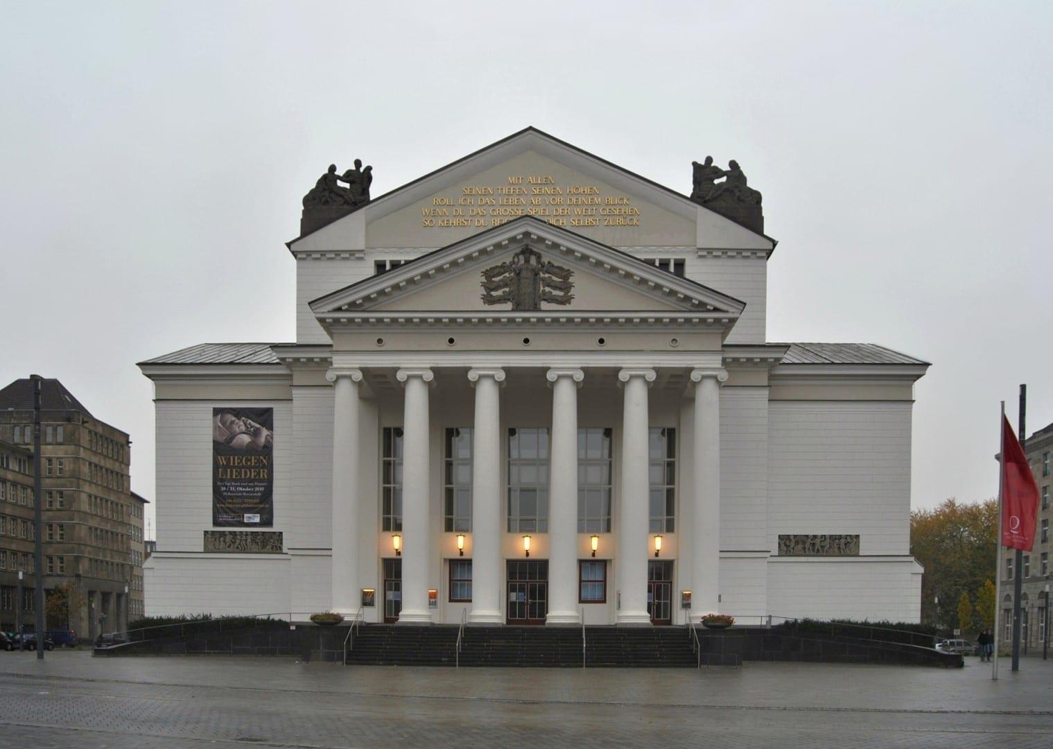 El Teatro Duisburg, que alberga la Deutsche Oper am Rhein (ópera) y la Orquesta Filarmónica de Duisburg Duisburg Alemania