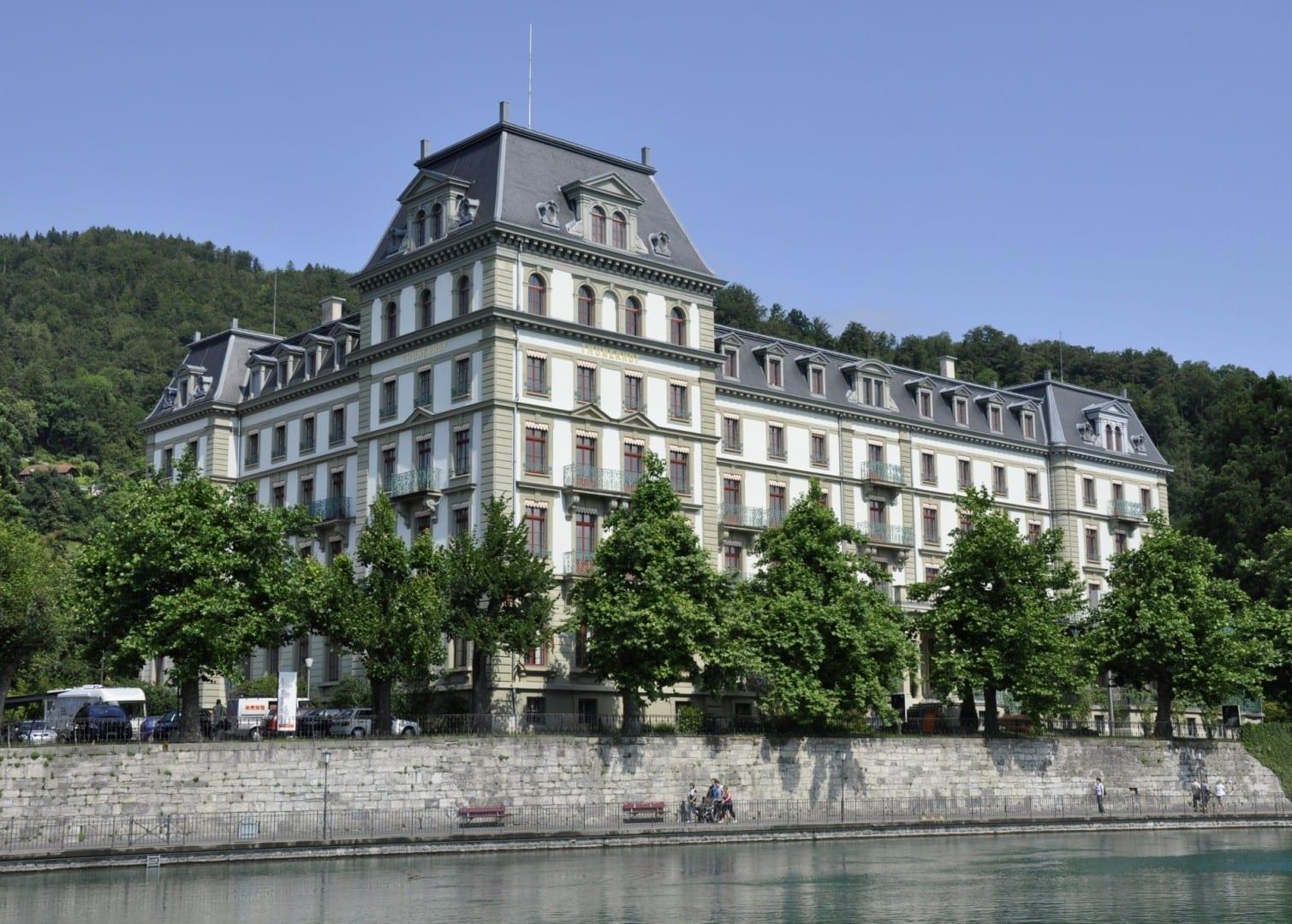 El Thunerhof, un antiguo hotel que ahora alberga el museo de arte. Thun Suiza