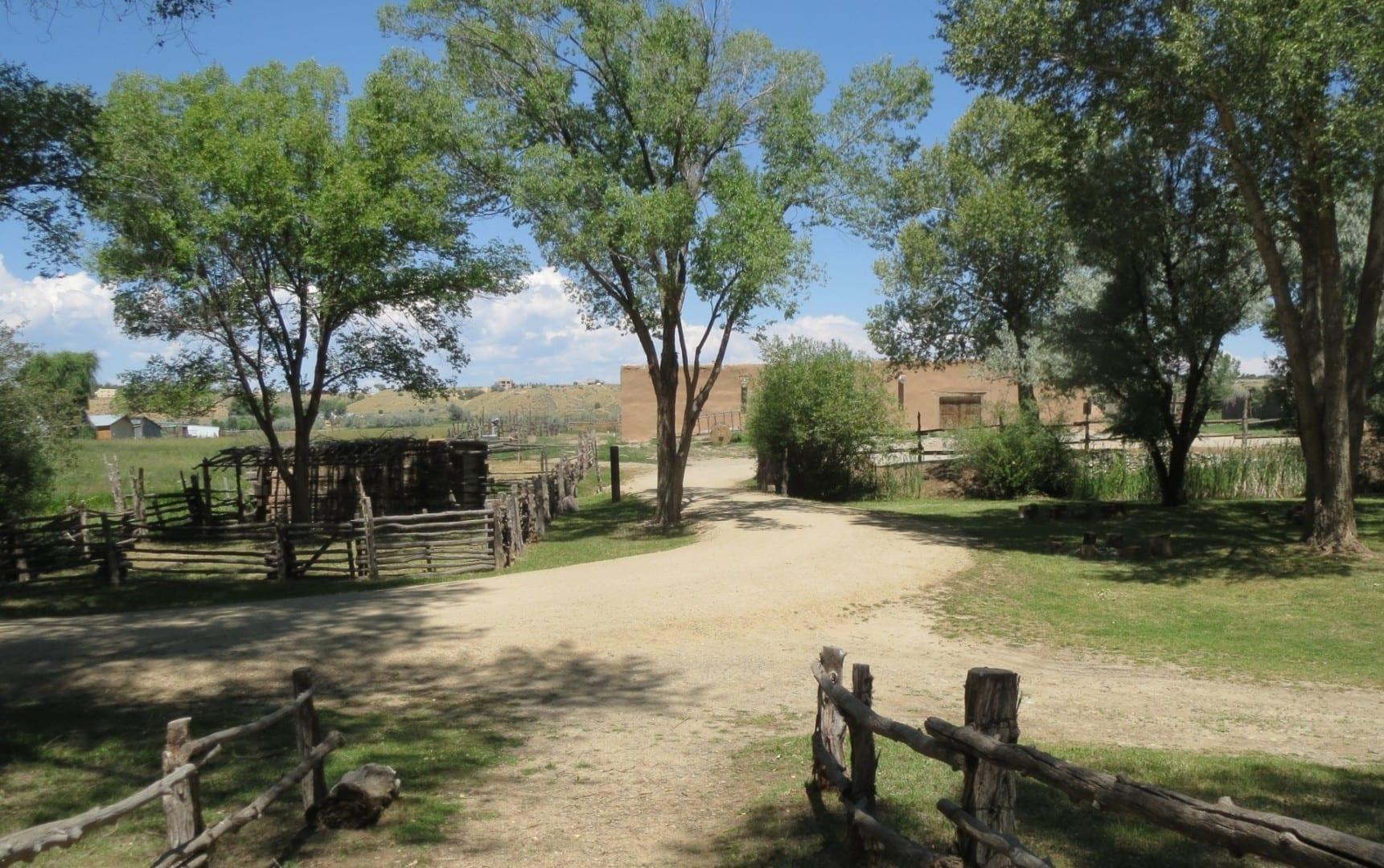 En los terrenos de la Hacienda Martínez Taos NM Estados Unidos
