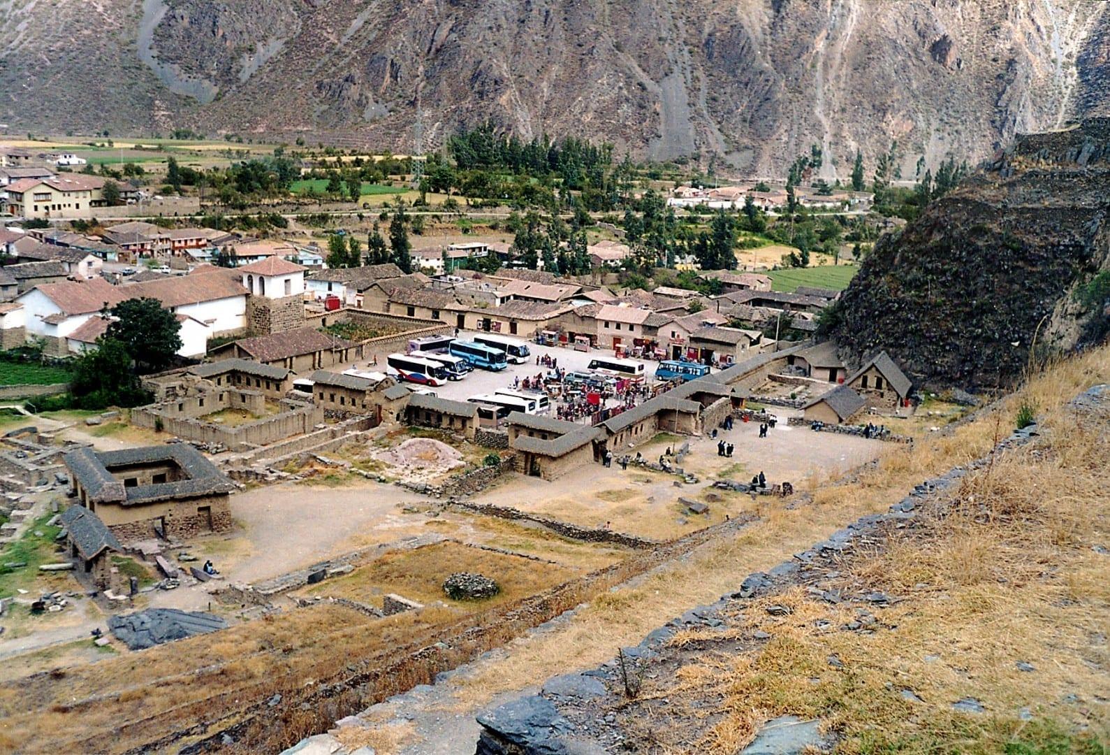 Entrada a las ruinas Ollantaytambo Perú