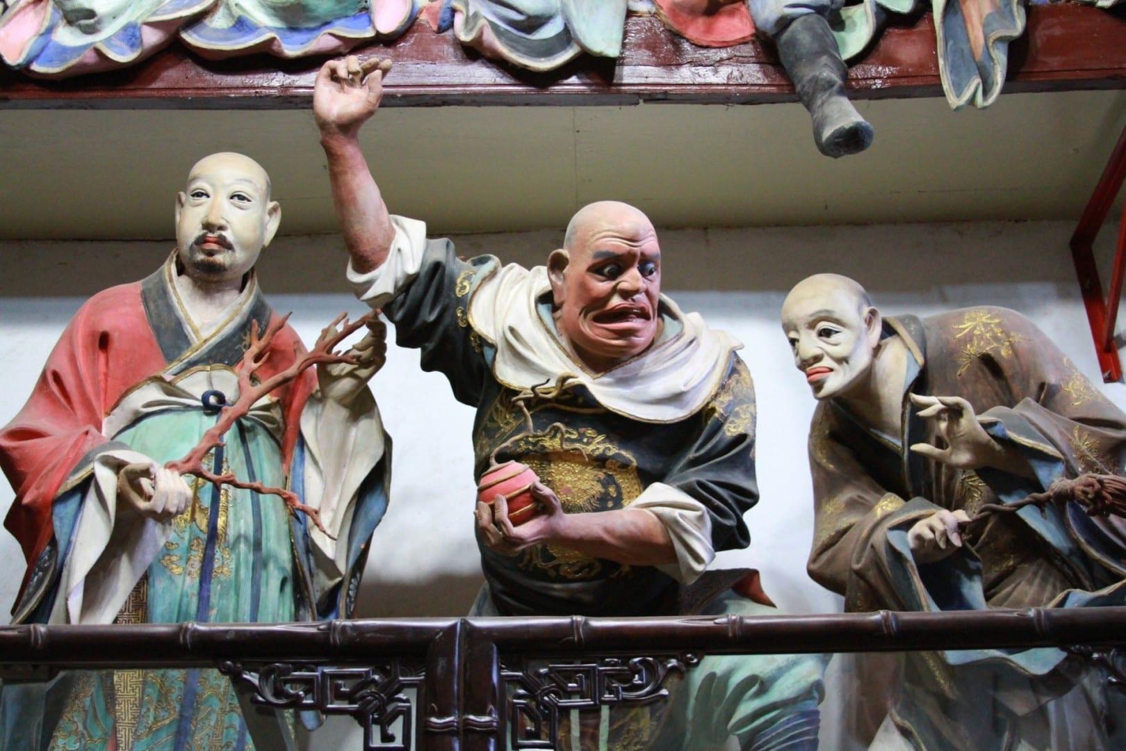 Esculturas de arcilla en el Templo Qiongzhu Kunming China