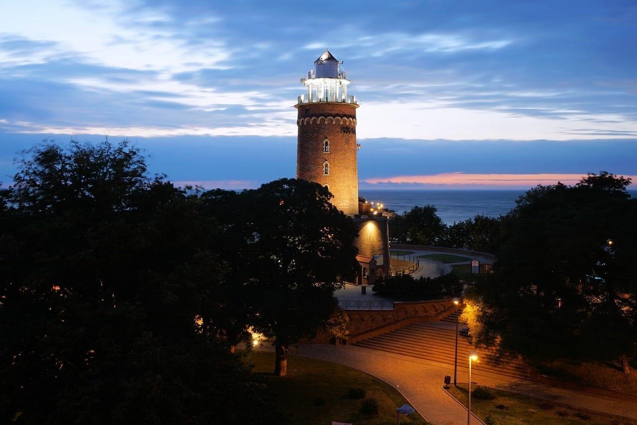 Faro Kołobrzeg Mar Báltico Polonia