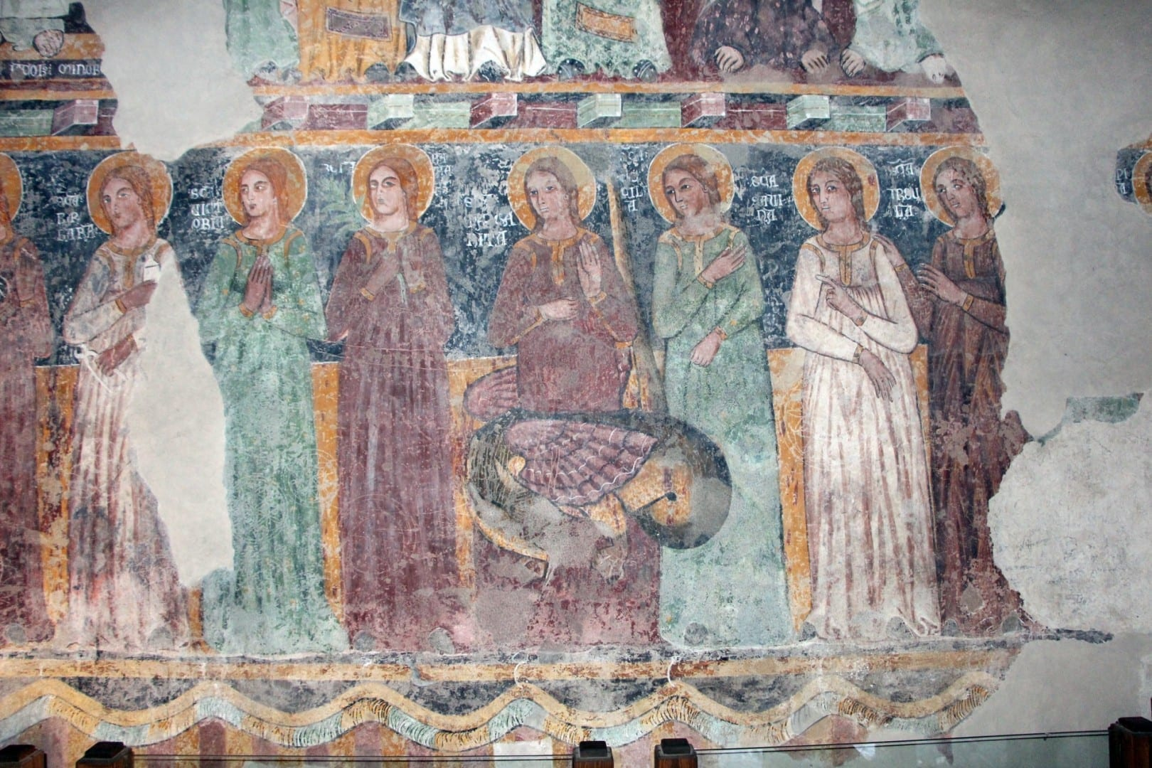 Frescos en la Capilla Palatina Bosa Italia