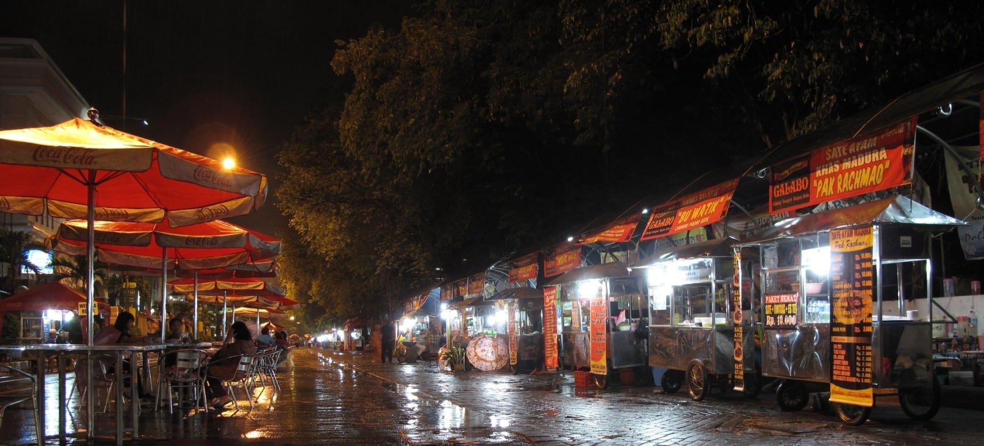 Galabo, un mercado nocturno al aire libre Solo Indonesia