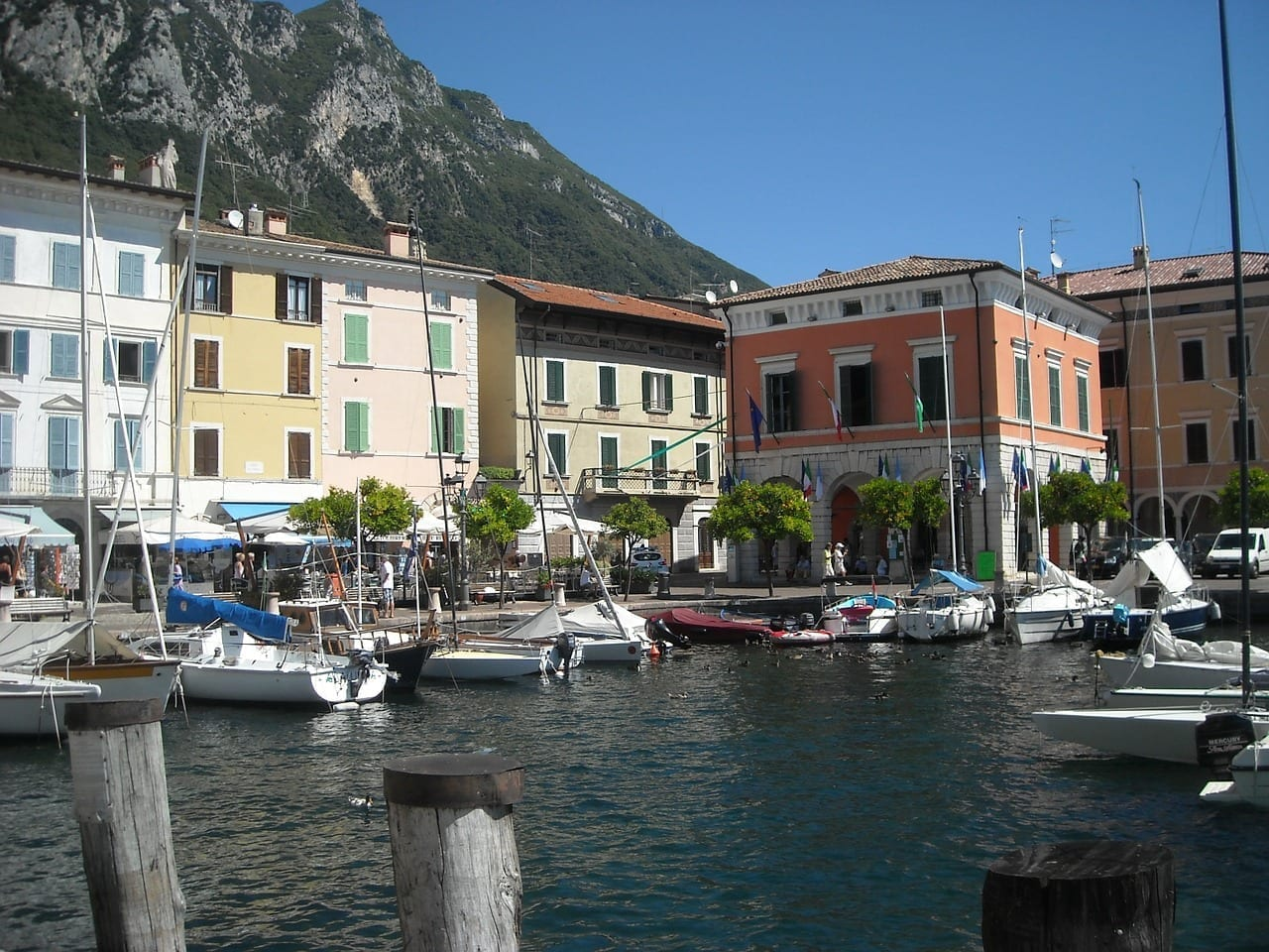 Garda Barcos De Vela Riva Del Garda Italia