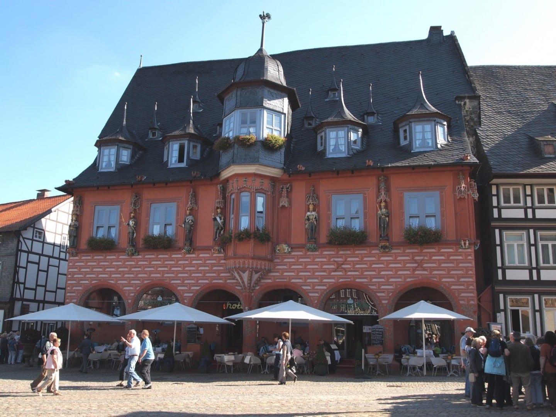 Gildehaus Kaiserworth en el mercado Goslar Alemania