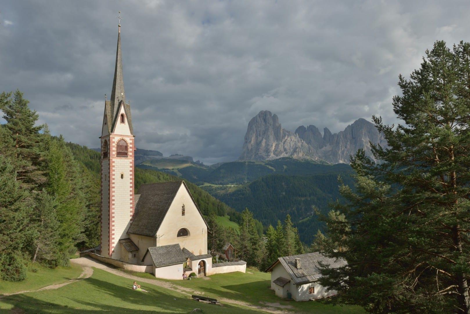 Iglesia de San Jacobo Ortisei Italia