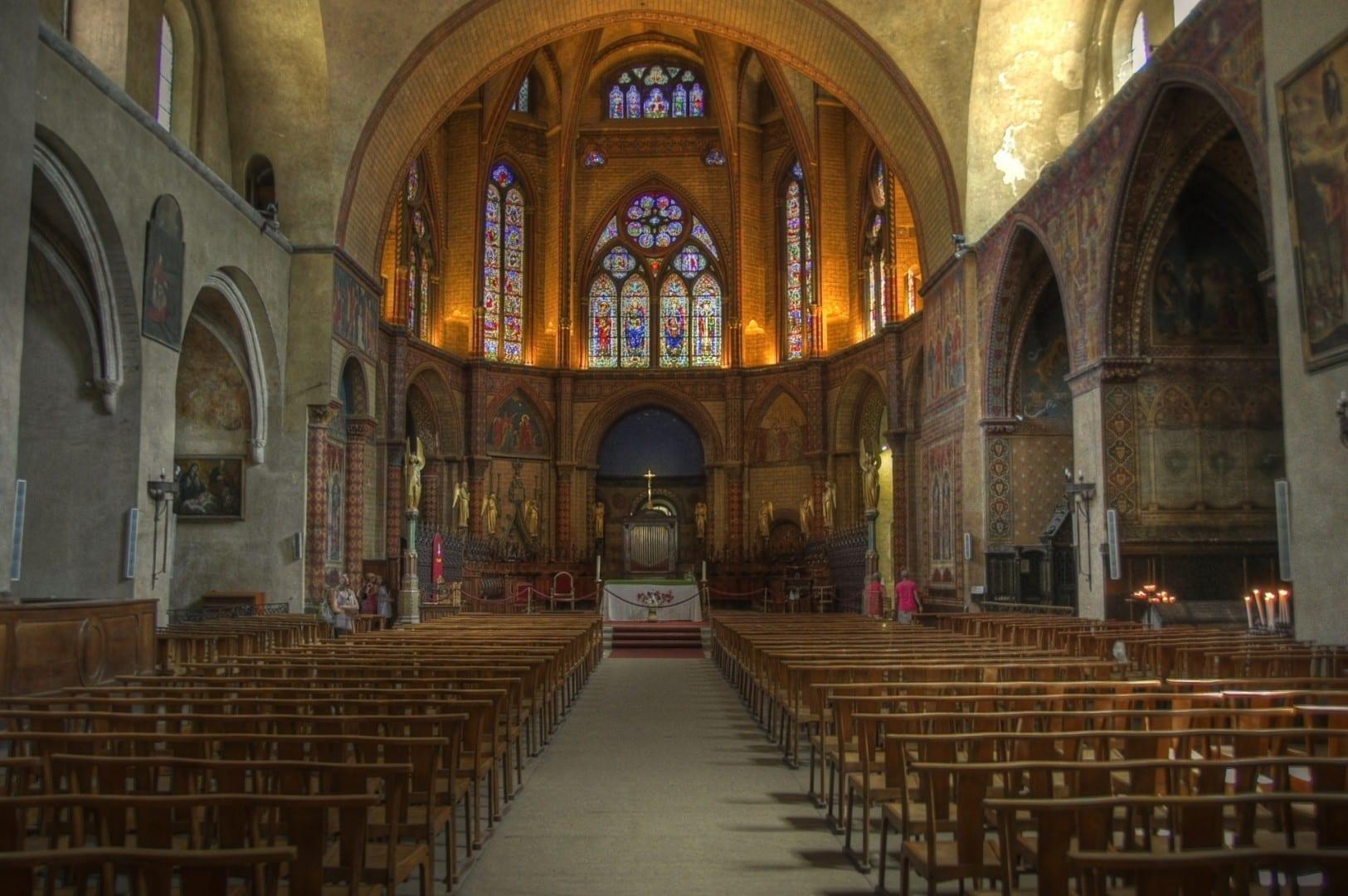 Interior de la catedral de Saint-Etienne de Cahors Cahors Francia