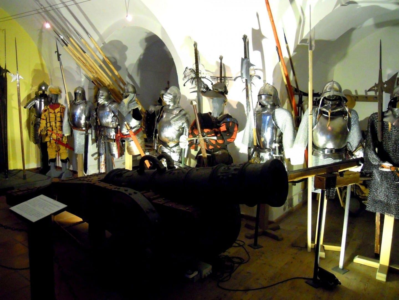 La armadura se exhibe en la Fortaleza Kufstein Austria