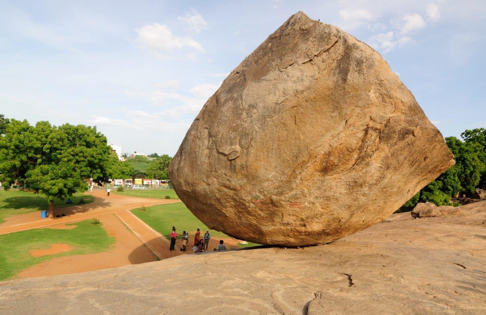 La bola de mantequilla de Krishna Mamallapuram-Mahabalipuram India