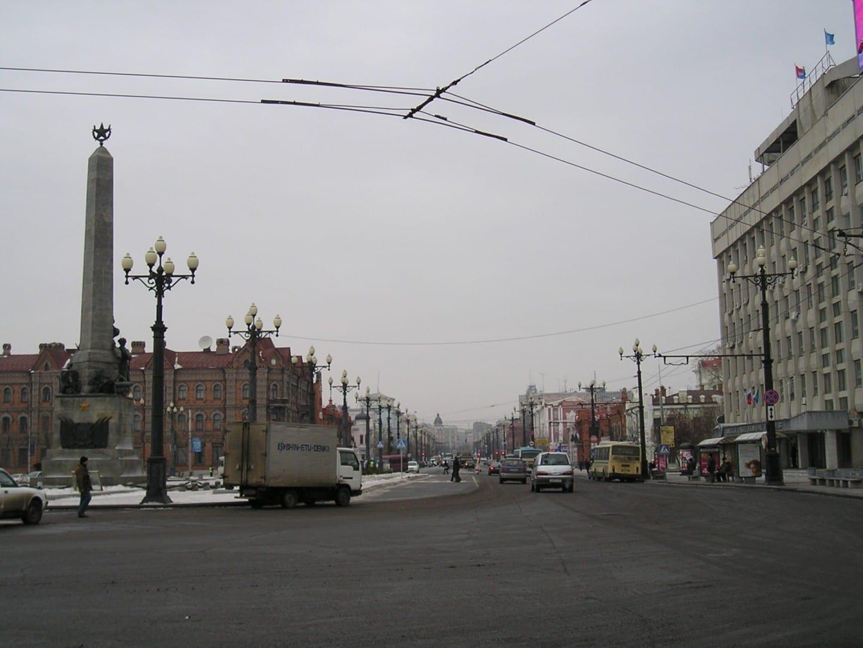 La calle Muravyov-Amurskiy es una de las principales arterias de la ciudad y líneas con tiendas y edificios atractivos. Khabarovsk Rusia