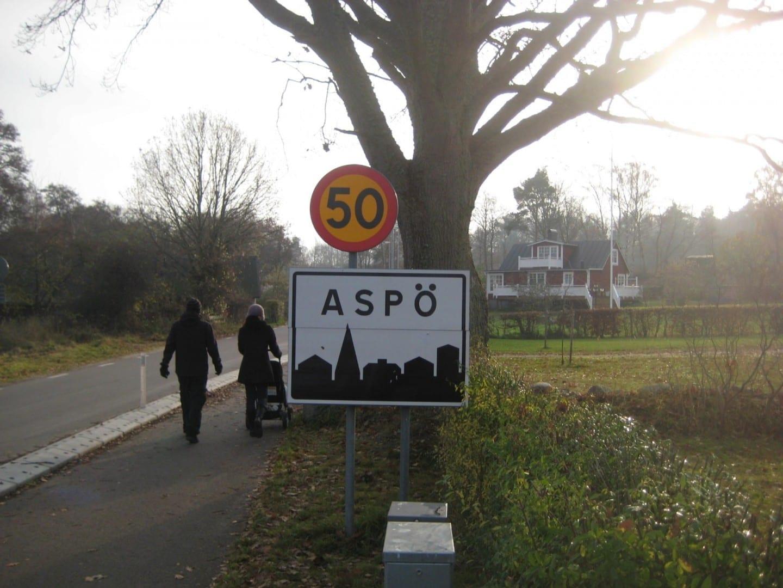 La carretera principal hacia Aspö Karlskrona Suecia