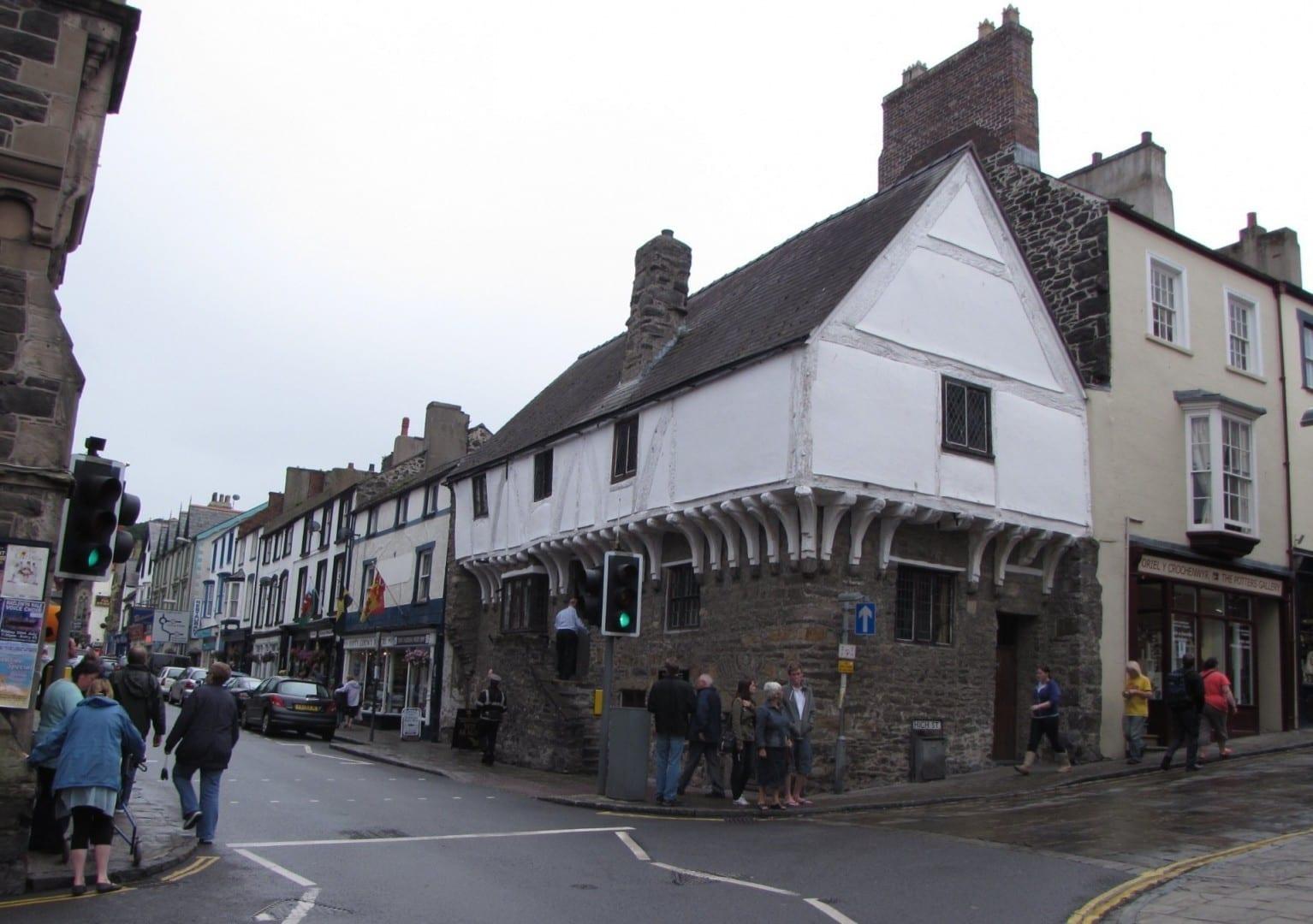 La casa Aberconwy en el centro de la ciudad de Conwy Conwy Reino Unido