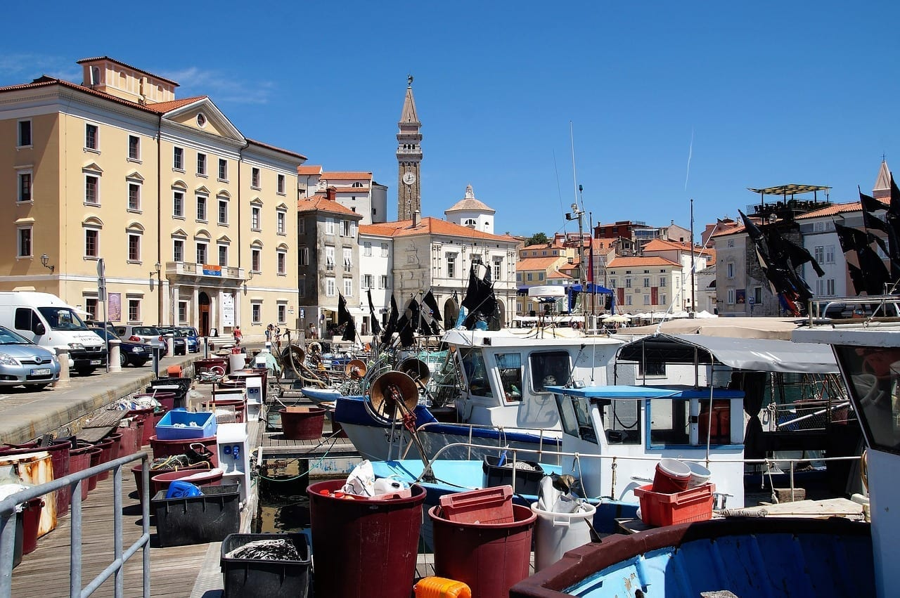 La Ciudad De Piran Puerto Pesquero Pescadores Eslovenia