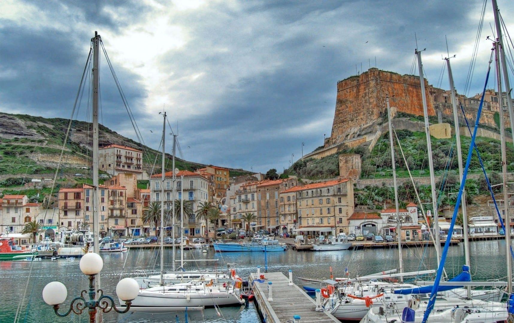 La ciudadela del puerto Bonifacio, Córcega Francia