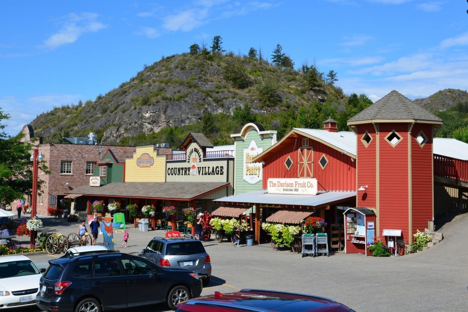 La entrada de Davison Orchards Country Village Vernon Canadá