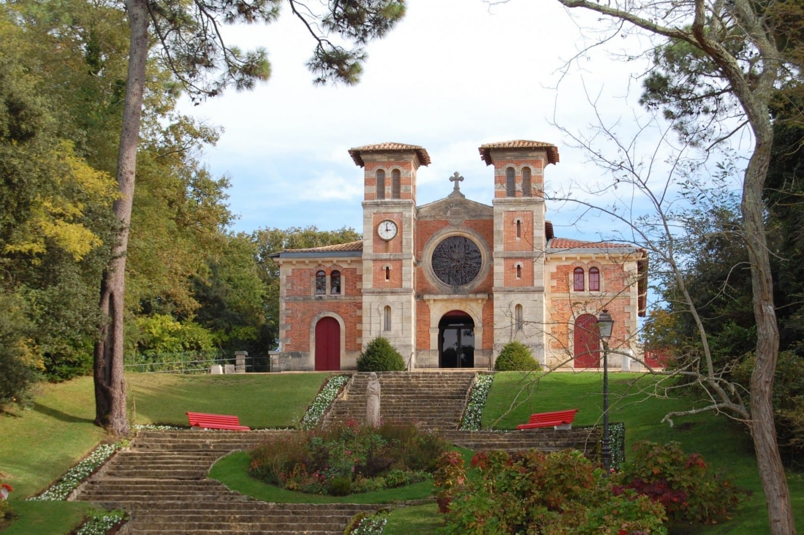 La iglesia de Notre-Dame-des-Passes Arcachon Francia