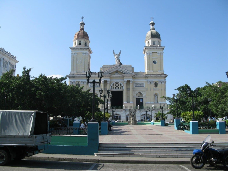 La iglesia en la plaza principal de Santaiago de Cuba Santiago de Cuba Cuba