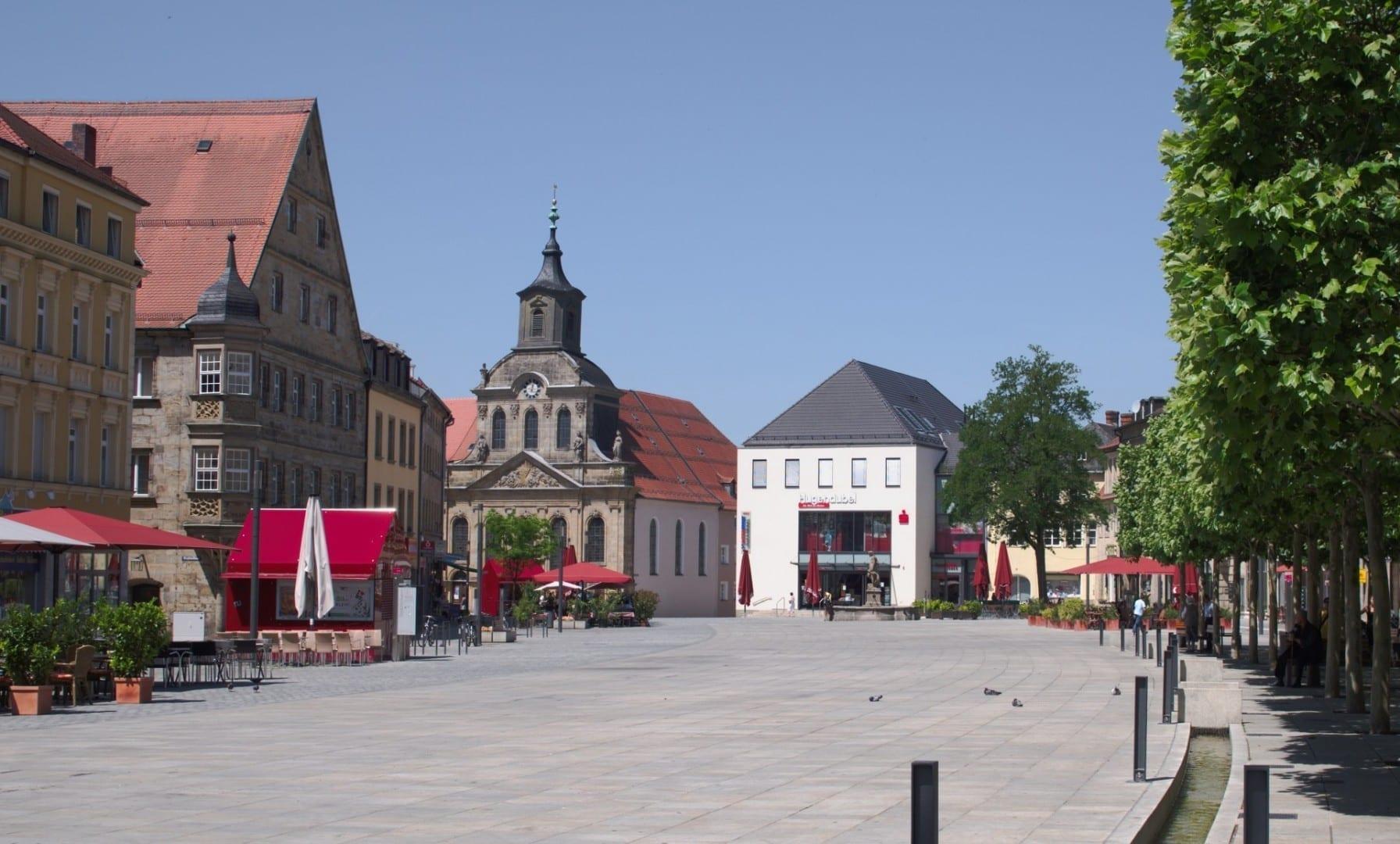 La Maximilianstraße es el corazón de la zona peatonal Bayreuth Alemania