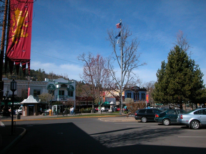 La Plaza Ashland Estados Unidos