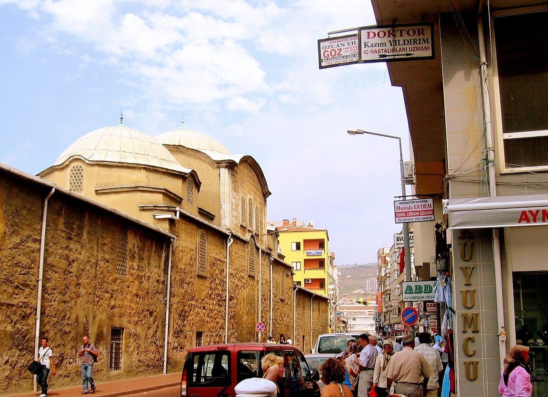 La principal calle comercial de Sinop Sinope Turquía