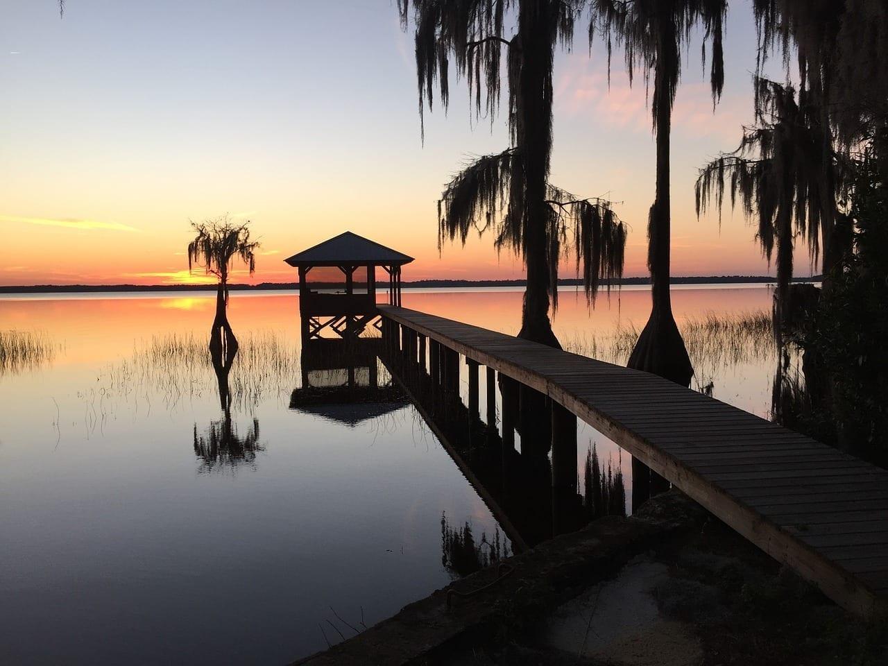 Lago Santa Fe Muelle Puesta De Sol Argentina