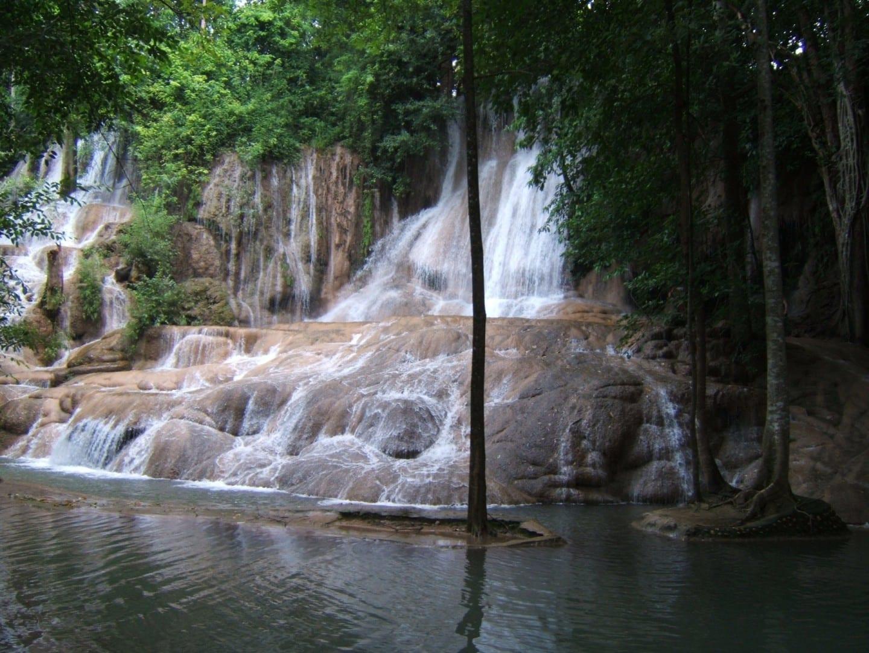 Las cataratas Sai Yok Noi Kanchanaburi Tailandia