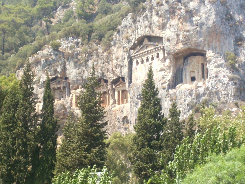 Las tumbas de roca de Licia Dalyan Turquía