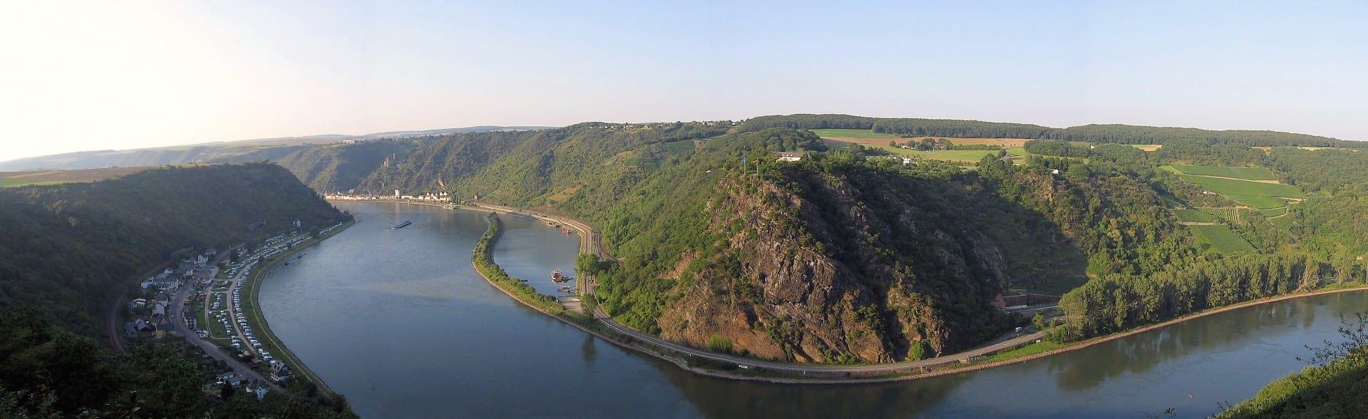 Lorely vista panorámica desde el lado izquierdo del Rin Sankt Goar Alemania