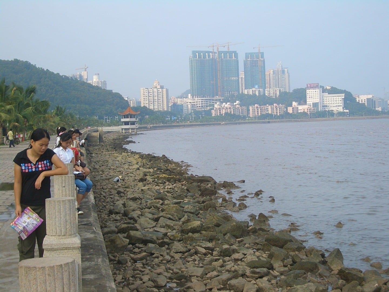 Lover's Road en Gongbei, Jida al fondo Zhuhai, Macao China