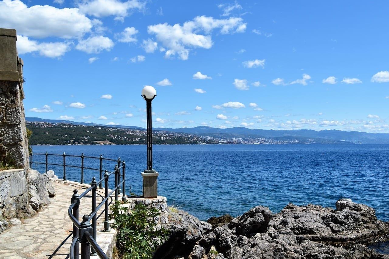 Lungomare Opatija Paseo Croacia