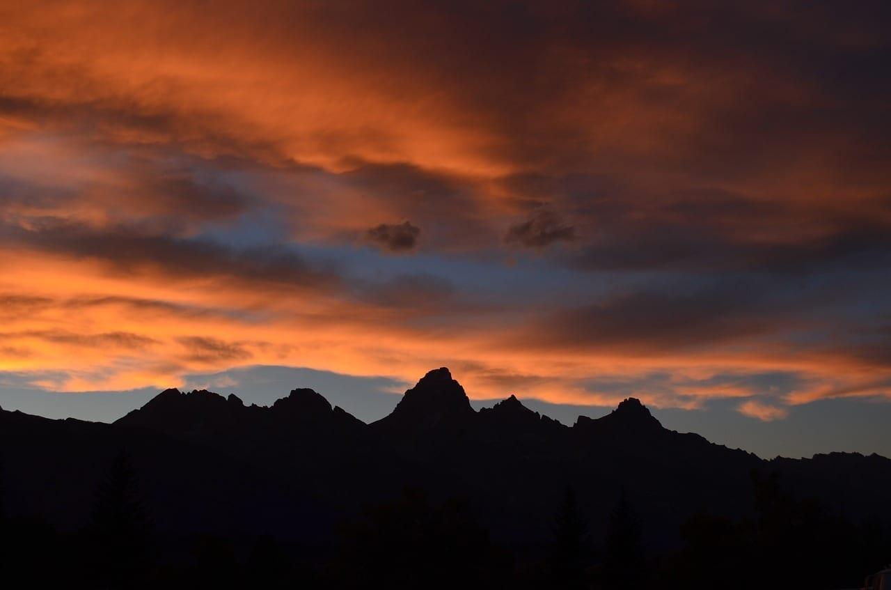 Montaña Orange Rojo Francia