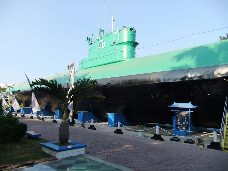 Monumento al Submarino Surabaya Indonesia