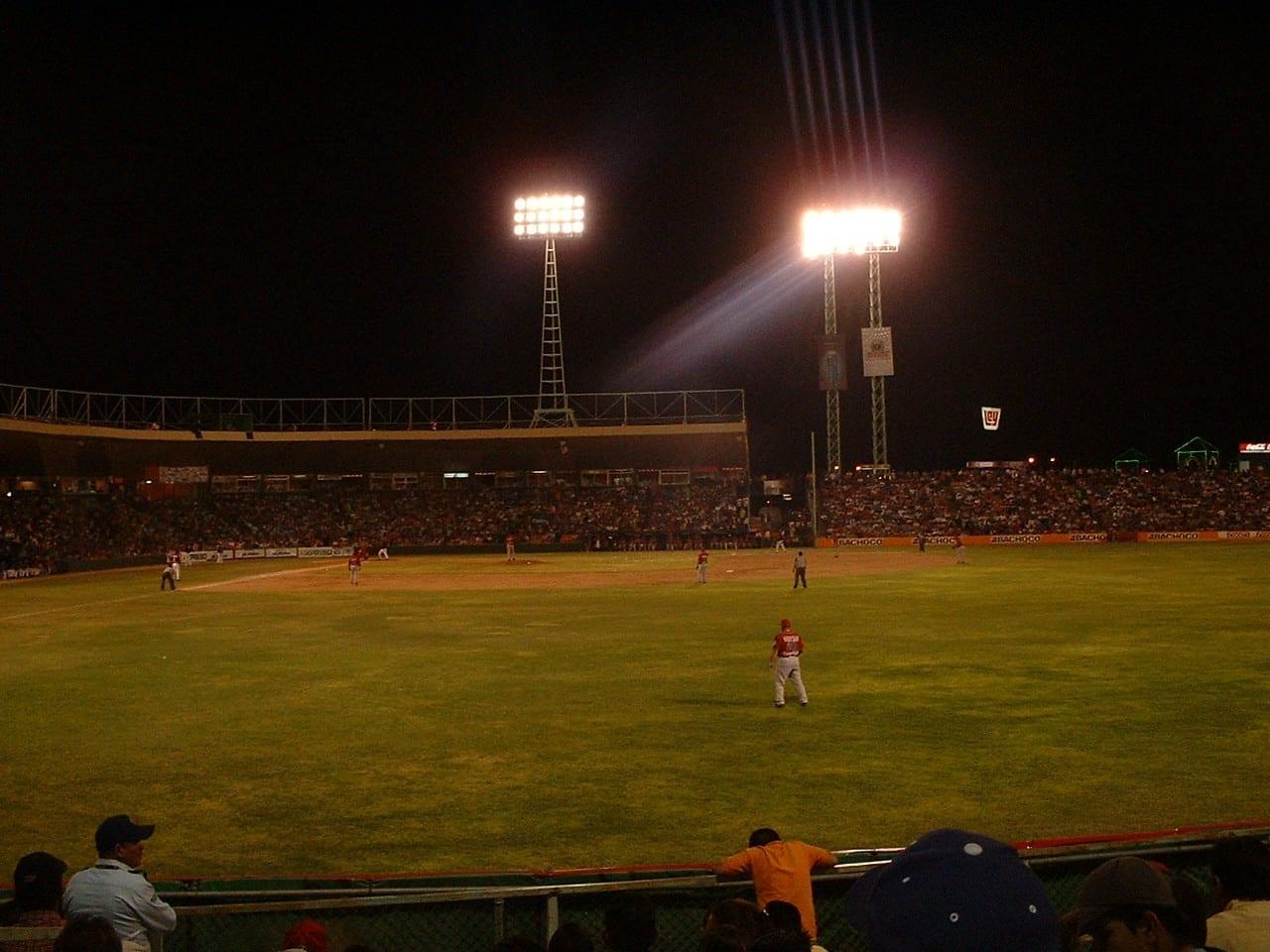 Naranjeros in action at Estadio Hector Espino. Hermosillo México