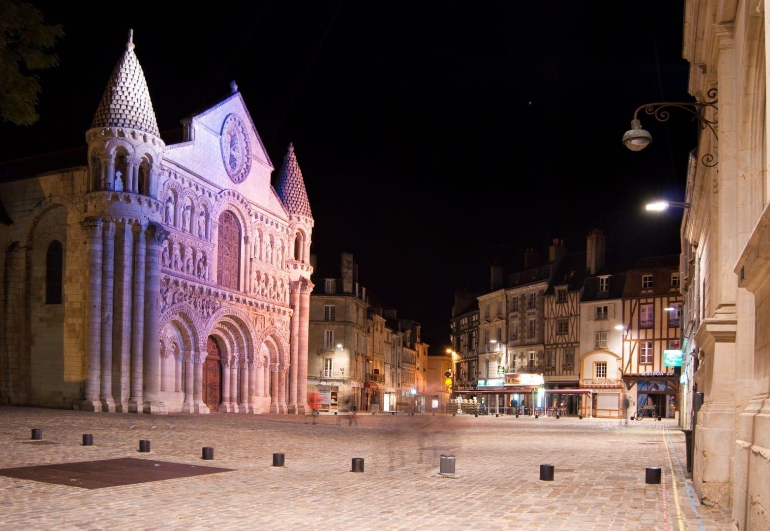 Notre Dame de Poitiers Poitiers Francia