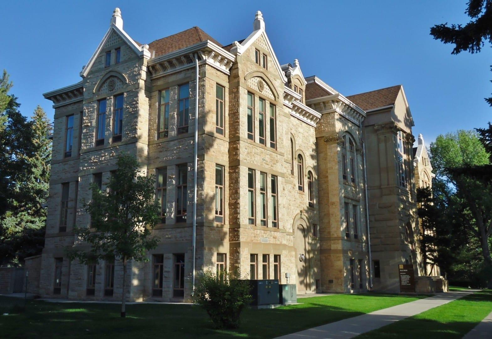 Old Main en la Universidad de Wyoming Laramie WY Estados Unidos