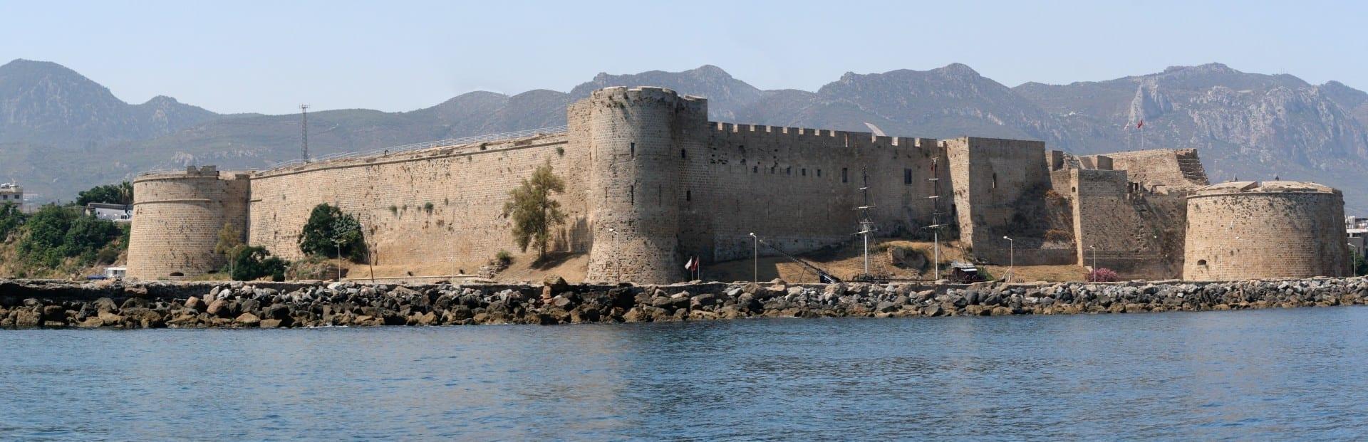 Panorama del Castillo de Kyrenia (Girne Kalesi) Kyrenia Chipre
