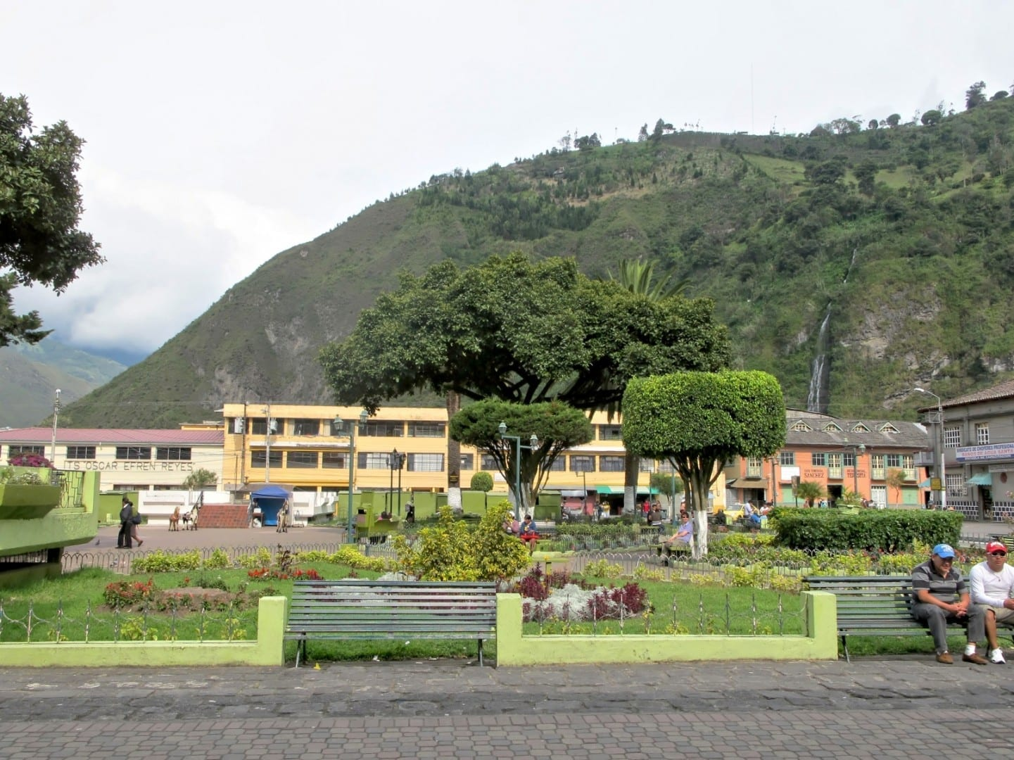 Parque de la Basilica Baños Ecuador