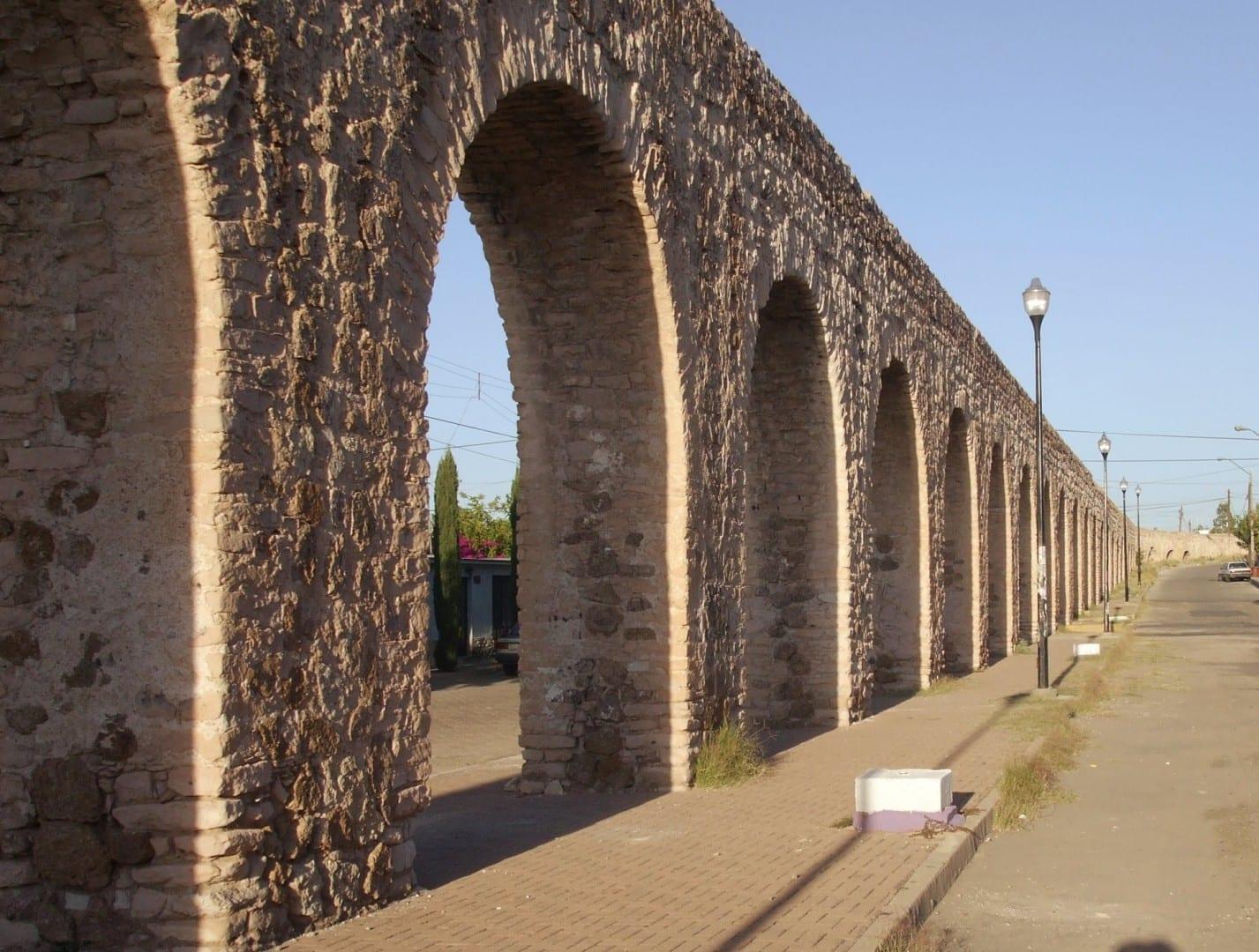 Parte del sistema de acueductos coloniales en Chihuahua. Chihuahua México