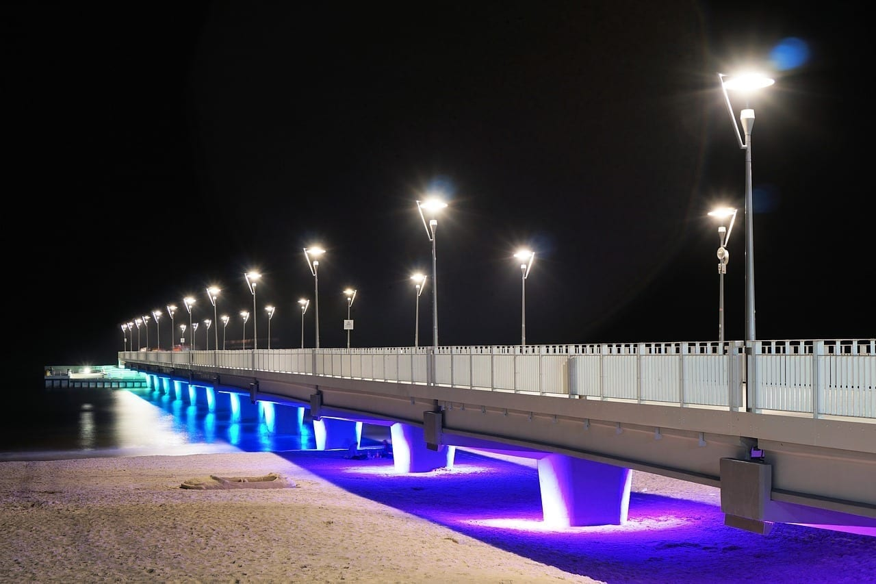 Pier Kołobrzeg Por La Noche Polonia