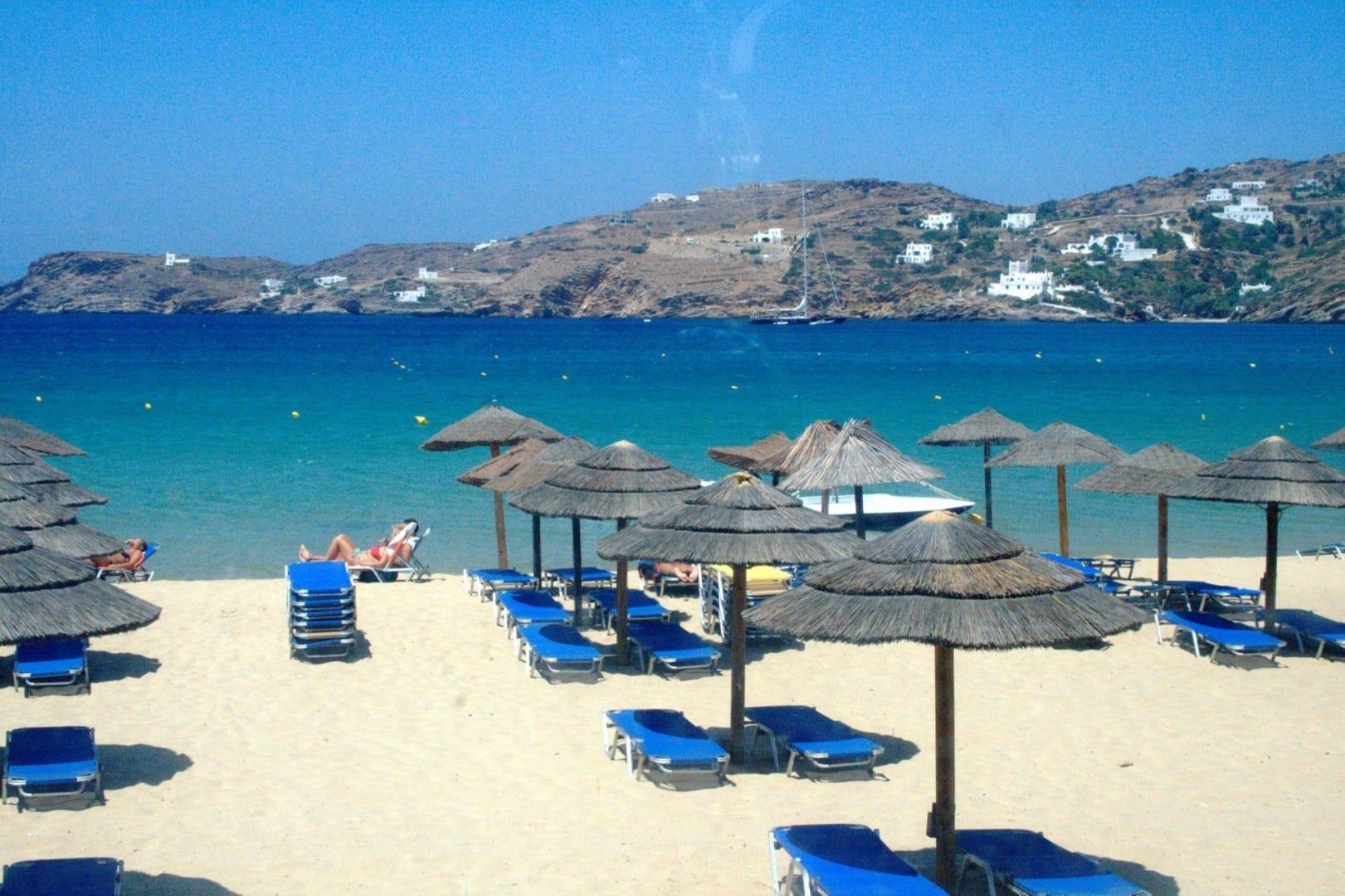 Playa de Mylopotas ios Grecia