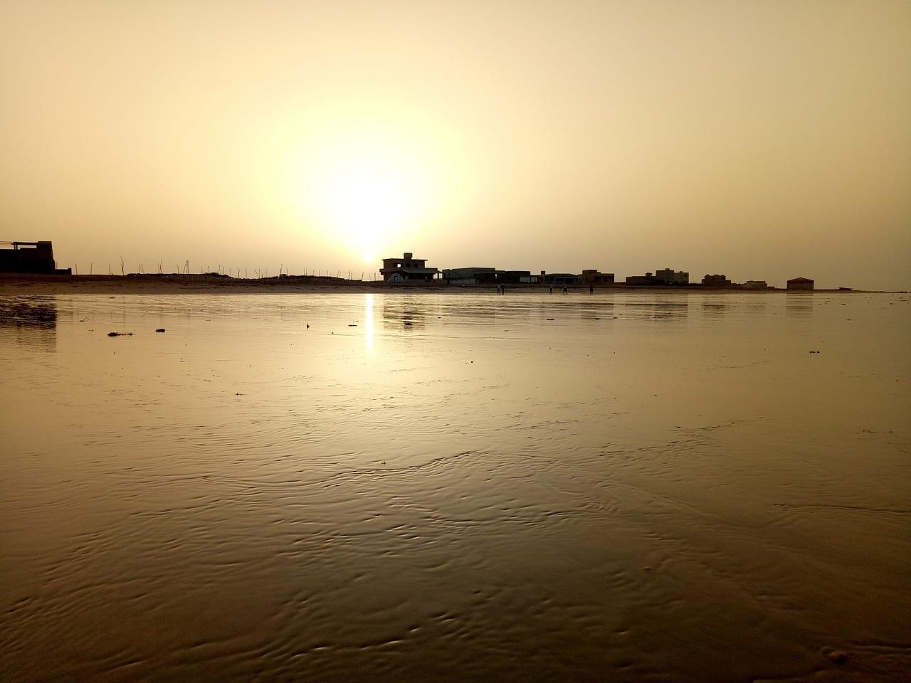 Playa Karachi La Luz Del Sol Pakistán