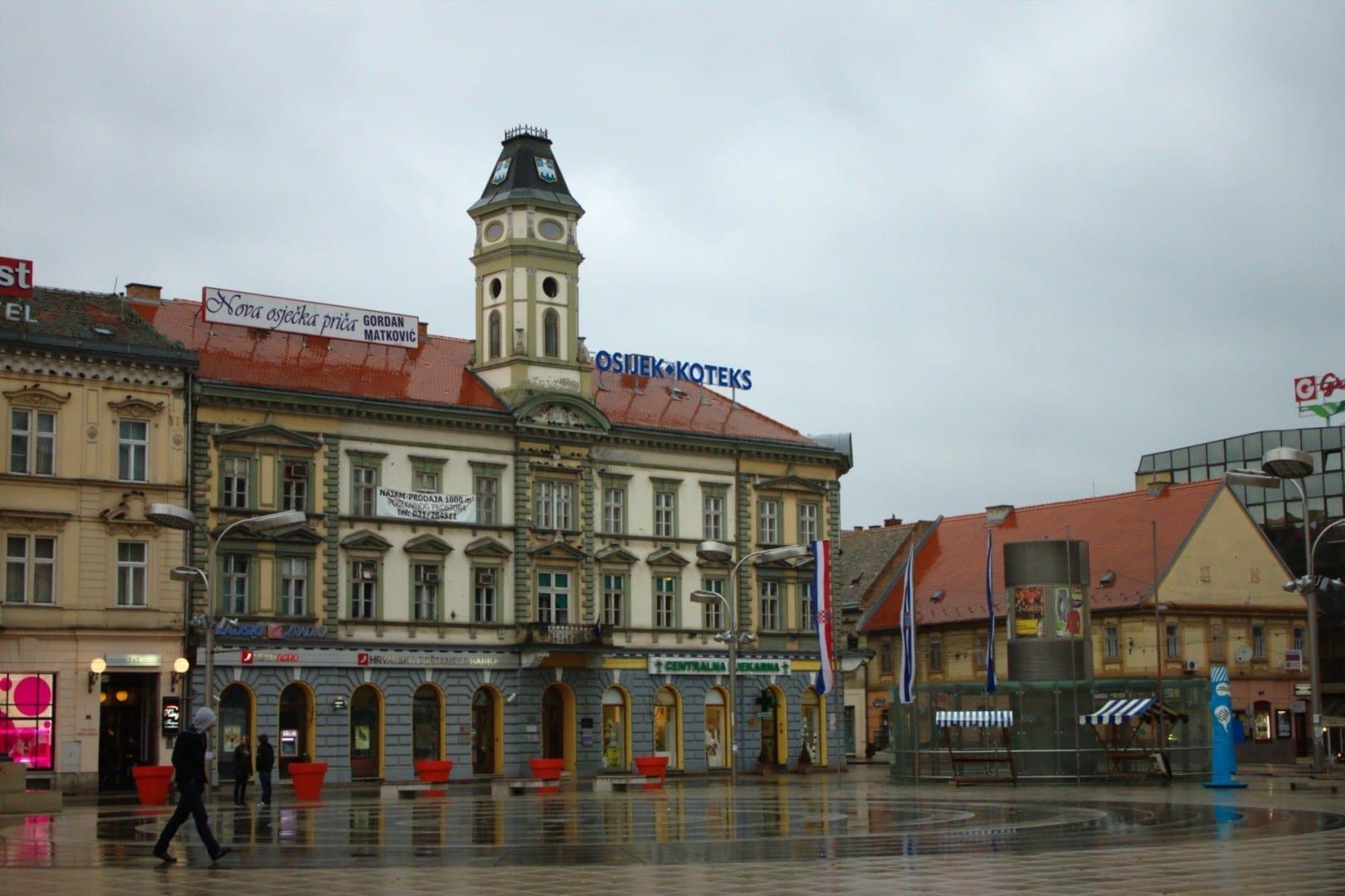 Plaza central de Osijek (Trg Ante Starcevica) Osijek Croacia