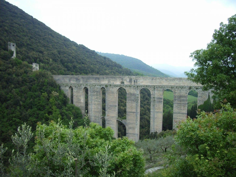 Puente de la Torre Spoleto Italia