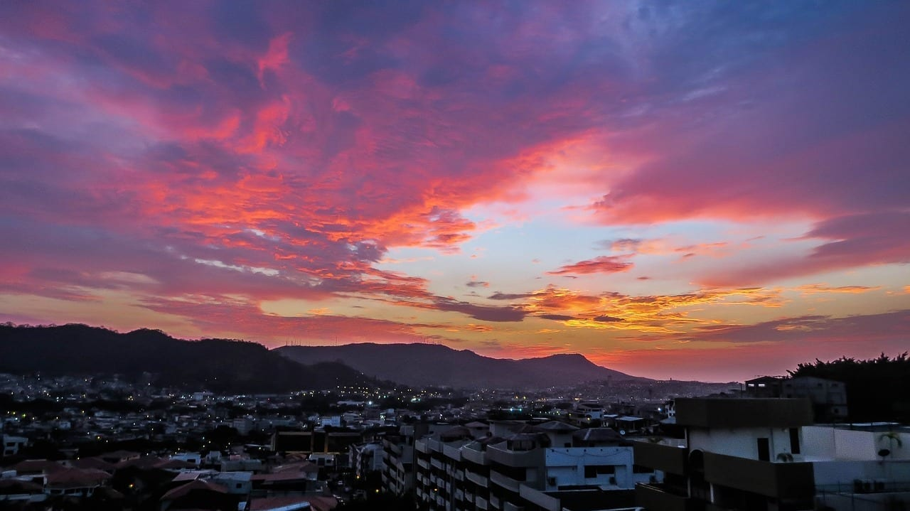 Puesta De Sol Ecuador Guayaquil Ecuador