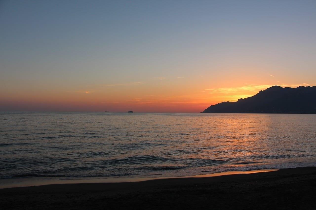 Puesta Del Sol Costa De Amalfi Salerno Italia