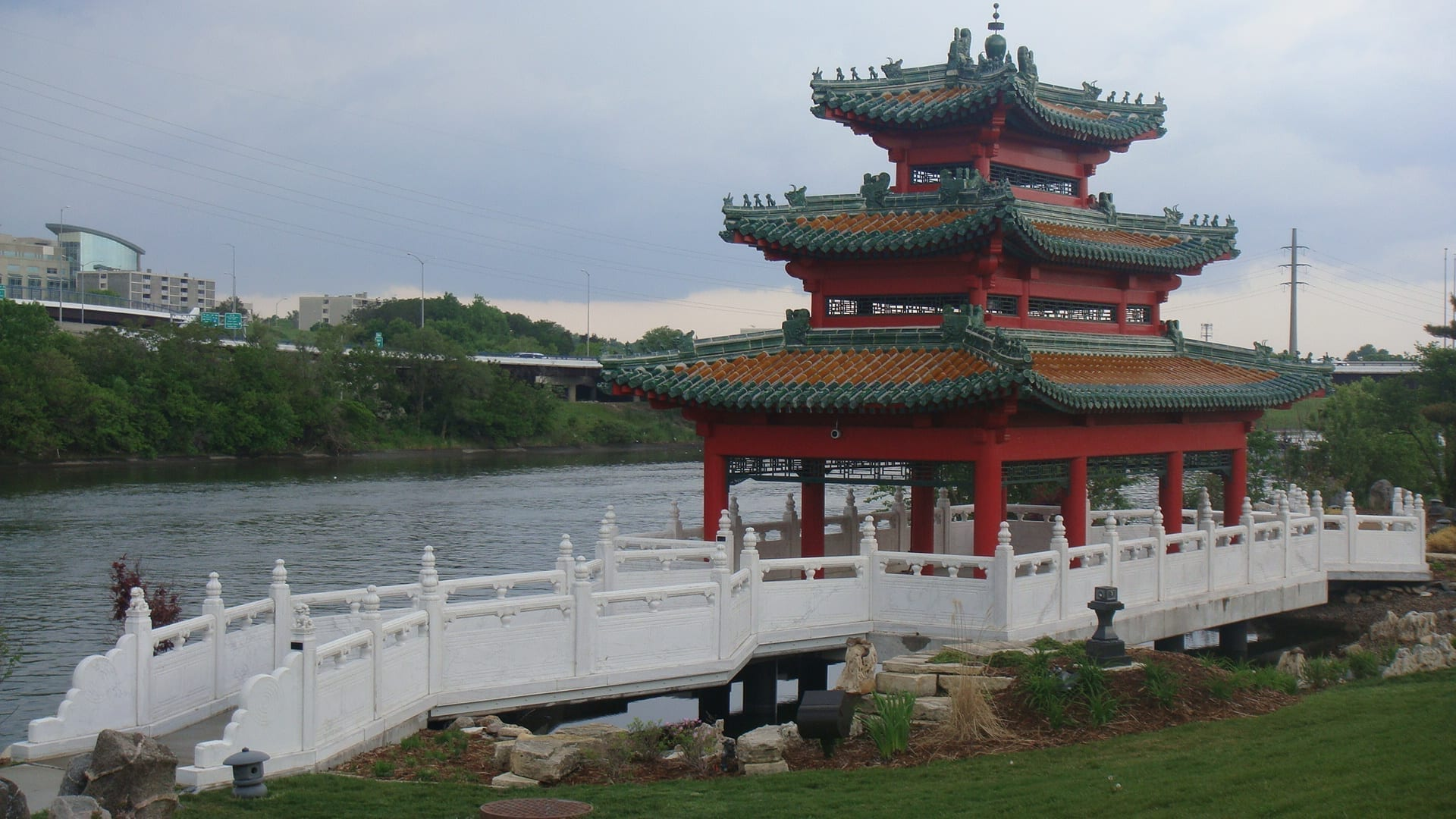 Robert D. Ray Asian Gardens a lo largo del río Des Moines Des Moines (Iowa) Estados Unidos