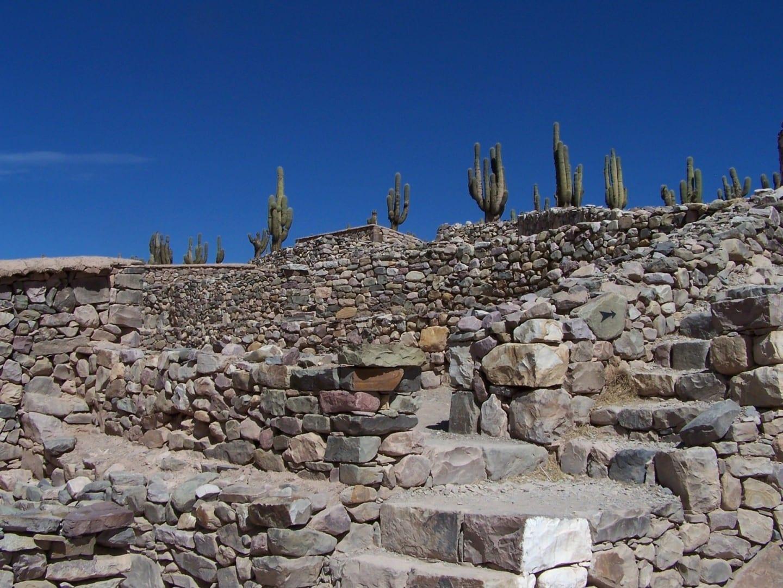 ruinas reconstruidas de un