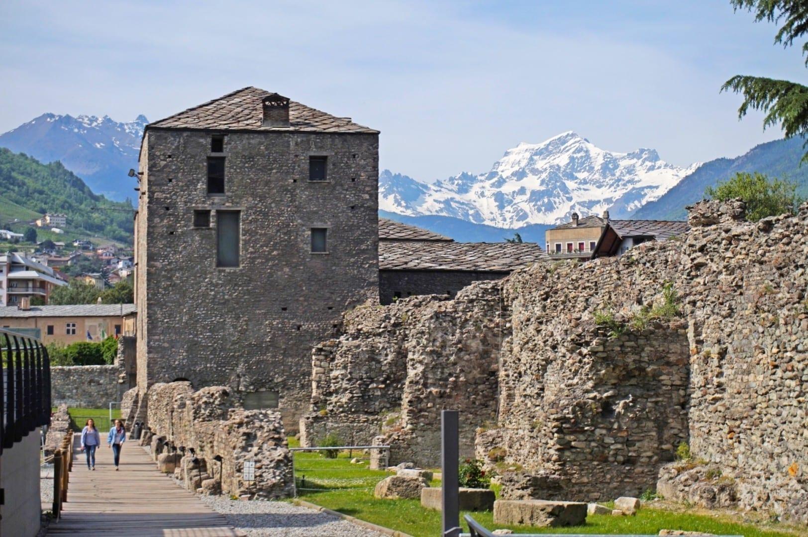 Ruinas romanas Aosta Italia