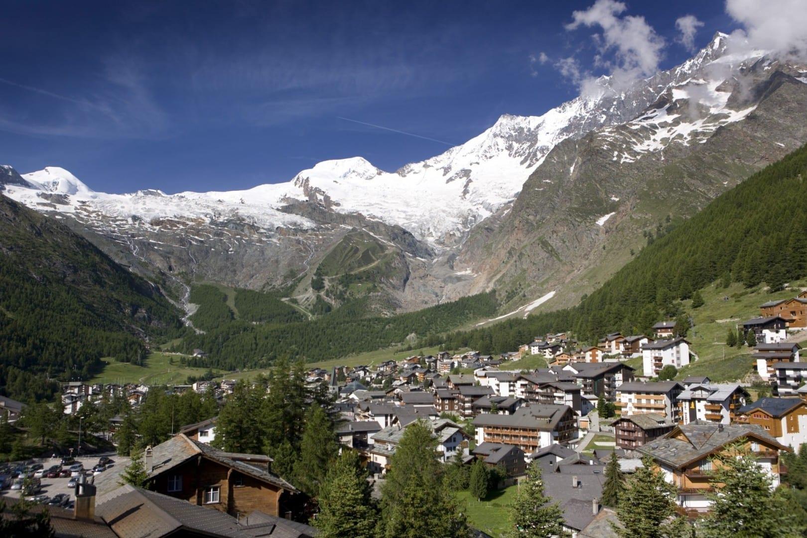 Saas-Fee en verano. Saas-Fee Suiza